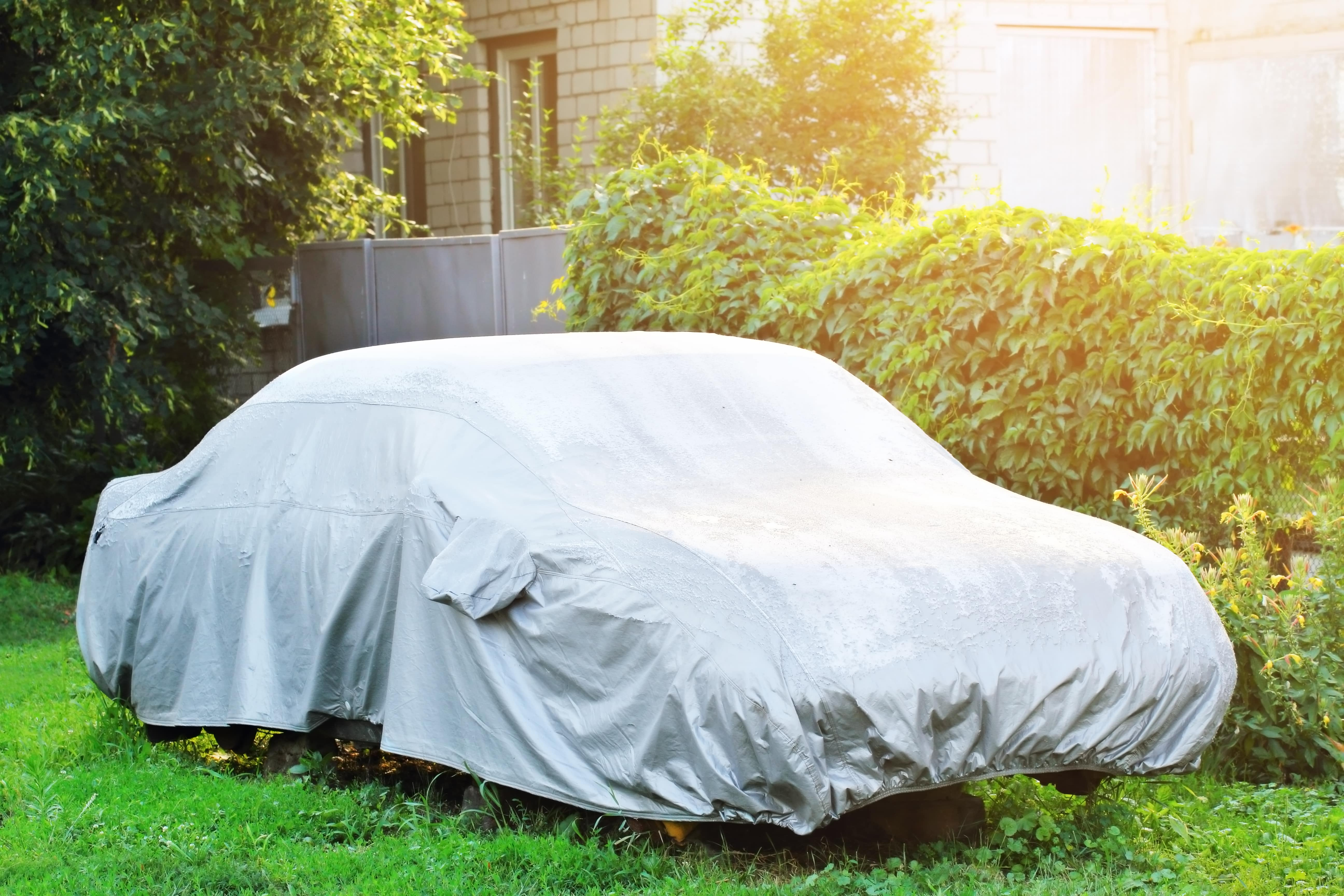 parked-car-protective-cover-wet-weather